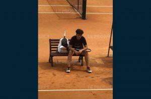 Avec quelques fois un besoin de trouver des ressources. Tao en est convaincu le tennis est un sport qui se joue au mental  (photo : le Progrès)